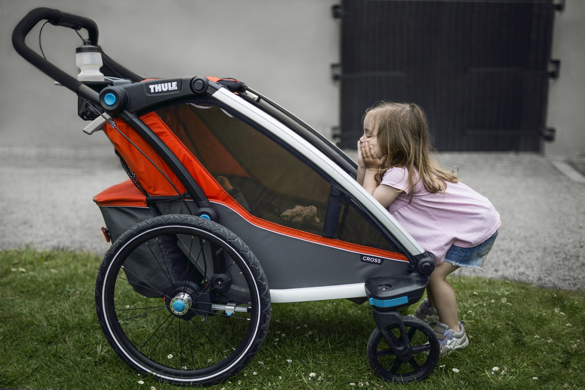 Przyczepka rowerowa dla dziecka - THULE Chariot Cross 1 - niebieska/granatowa